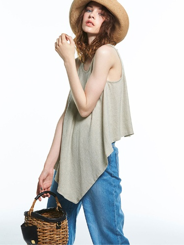 Risako 2万3000円(税抜) One Handle Tote 2万9000円(税抜) Athena New York